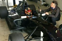 クビサ、GP3のマシンをテスト