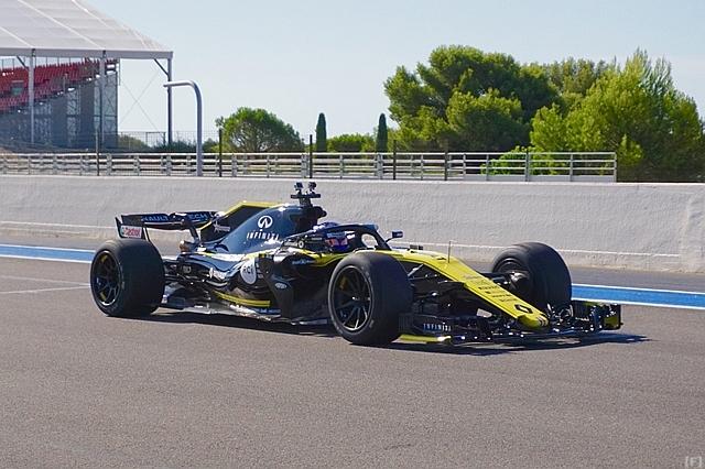 ピレリ、18インチタイヤのテストを開始