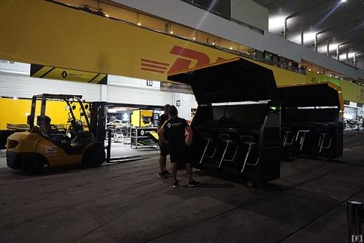 日本GP、土曜日は台風の影響でピットは完全封鎖